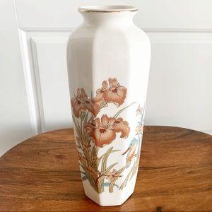 Vintage shaddy japan vase floral irises & birds